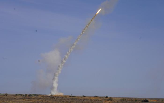 Các tổ hợp tên lửa của Nga đánh chặn đối thủ tại tập trận chiến lược Kavkaz 2020