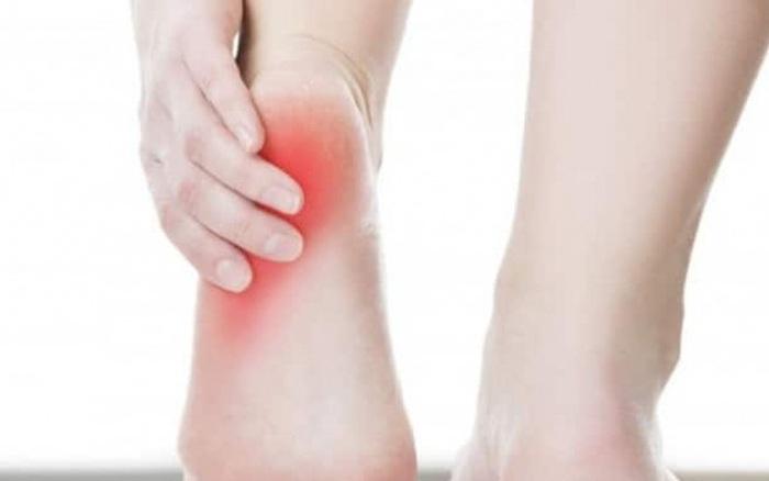 Vì sao đau gót chân?
