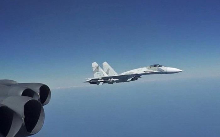 Lý do tiêm kích Nga chặn oanh tạc cơ B-52 Mỹ trên biển Đen