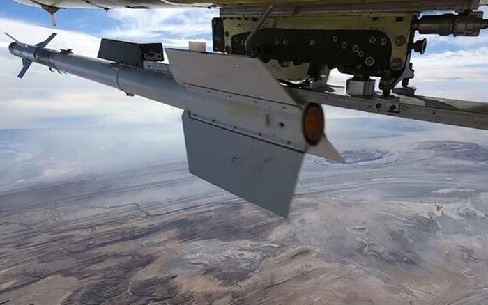 UAV Iran phóng tên lửa không đối không: