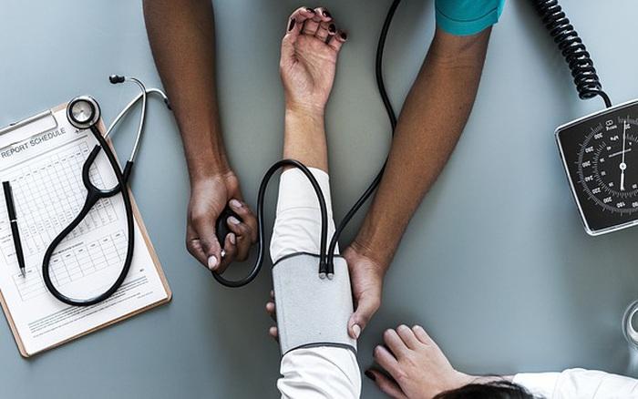 [Ảnh sức khỏe] 8 thói quen hại tim ai cũng có thể mắc phải: Đọc để phòng tránh kịp thời