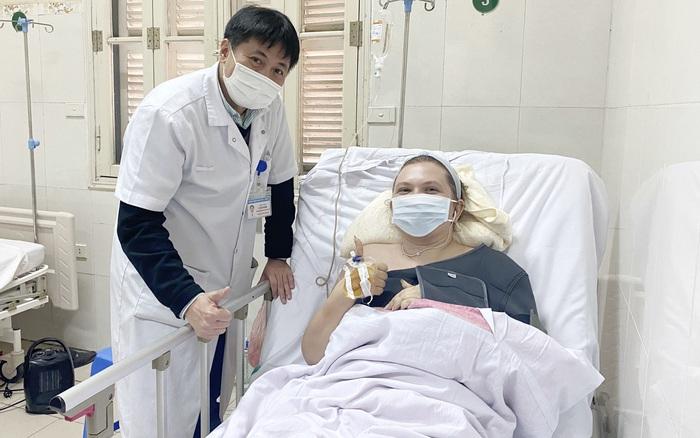 Hà Nội: Bệnh nhân nước ngoài tổn thương gan, phổi... được cứu sống