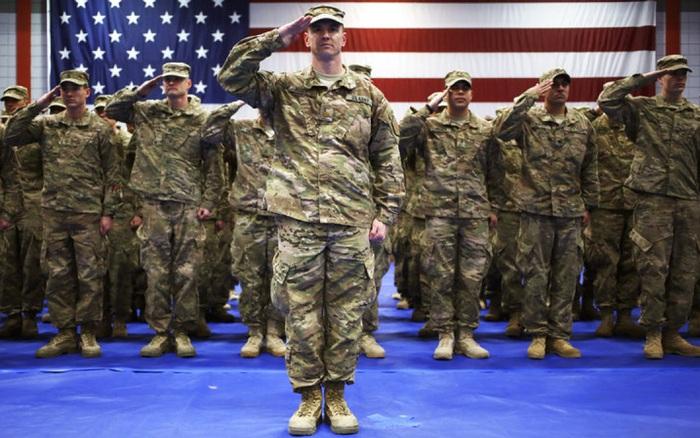 Mỹ cho phép người chuyển giới phục vụ trong quân đội
