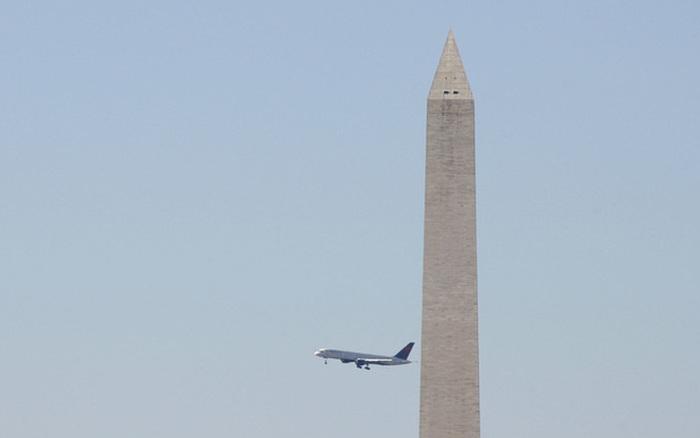 FBI điều tra âm mưu lao máy bay vào tòa nhà Quốc hội Mỹ