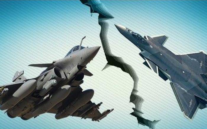 """Tướng Ấn Độ: J-20 Trung Quốc đừng mơ thống trị bầu trời châu Á, Rafale dễ dàng """"xử đẹp"""""""