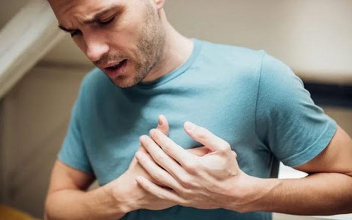7 kiểu đau ngực tuyệt đối không nên bỏ qua