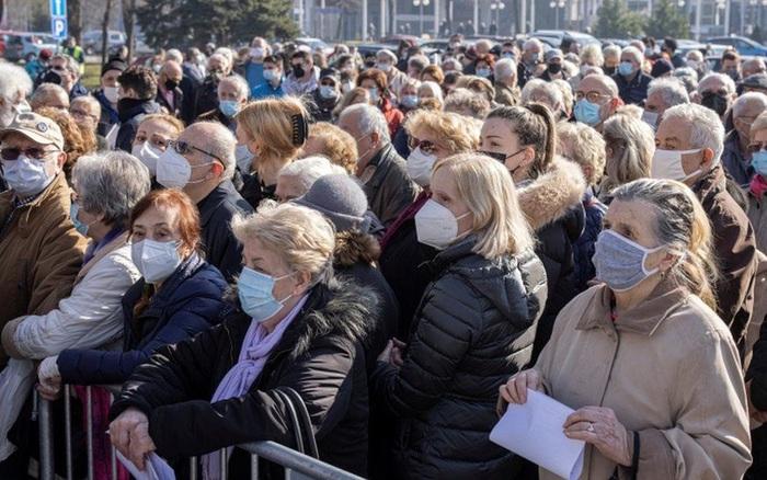 Vì sao nhiều nước châu Âu đổ xô mua vaccine COVID của Trung Quốc, Nga