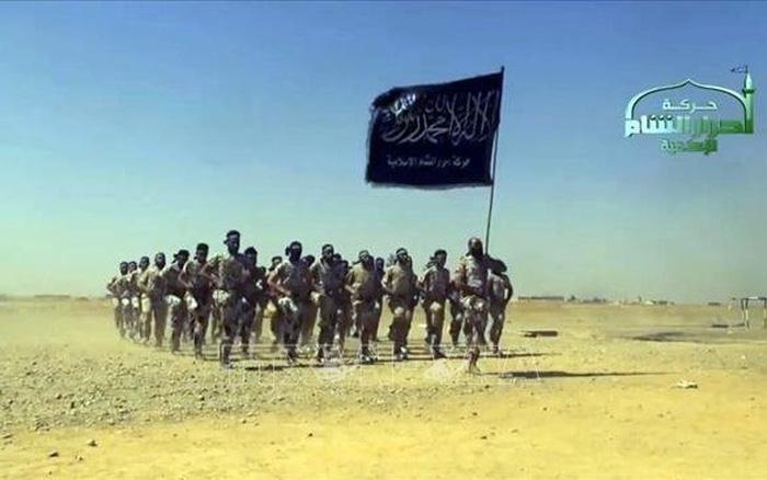 Liều lĩnh trỗi dậy, IS chết như ngả rạ dưới đòn sấm sét của Nga-Mỹ ở Syria