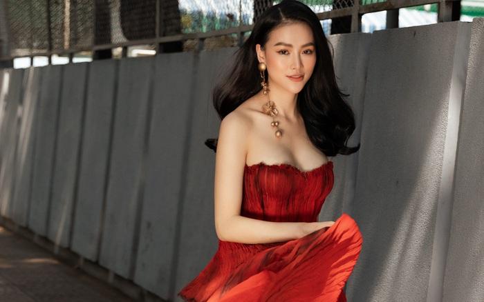 """Hoa hậu Phương Khánh khoe vẻ gợi cảm sau thời gian """"ở ẩn"""""""