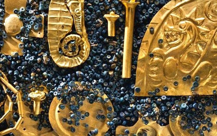 Ngôi mộ địa chủ xa hoa bậc nhất Trung Quốc: Đội khảo cổ lọt vào 'hố vàng', đinh đóng quan tài cũng làm từ vàng ròng