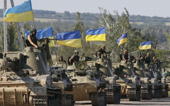 90.000 lính Ukraine đe dọa tiêu diệt 250.000 công dân Nga, Moscow khẩn cấp điều vũ khí tới Crimea