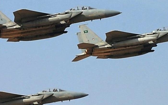 Liên quân dồn dập không kích trả đũa hành động lộng hành của Houthi