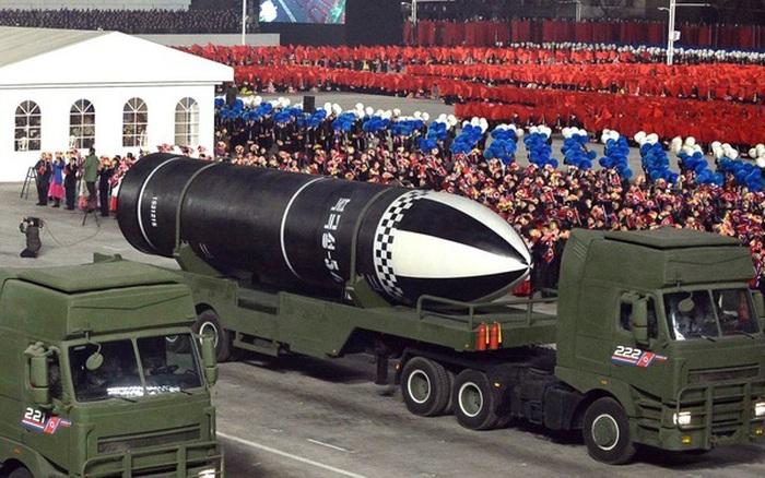 Thực hư Triều Tiên chuẩn bị phóng tên lửa đạn đạo từ tàu ngầm mới đóng?