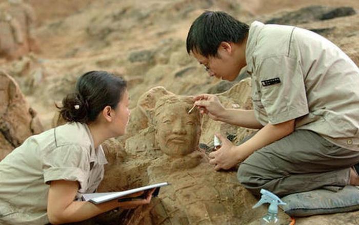 Mừng rỡ phát hiện mộ cổ thời Bắc Chu nhưng đang đào thì chuyên gia hoảng sợ tìm cách thoái thác: Cuối cùng