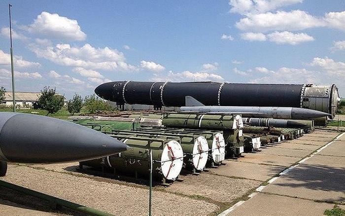 Tại sao Ukraine đe dọa phát triển vũ khí hạt nhân nếu không được gia nhập NATO?