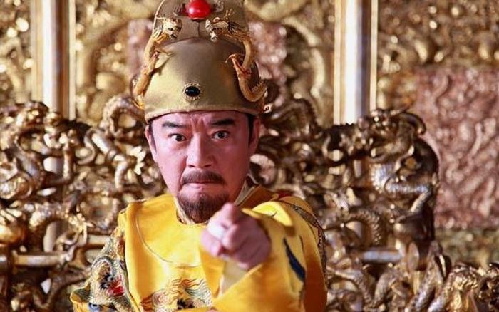 Hoàng đế phong kiến là người tạo ra luật nhưng riêng tội danh này kể cả hoàng đế cũng không ân xá nổi, đó là tội gì?