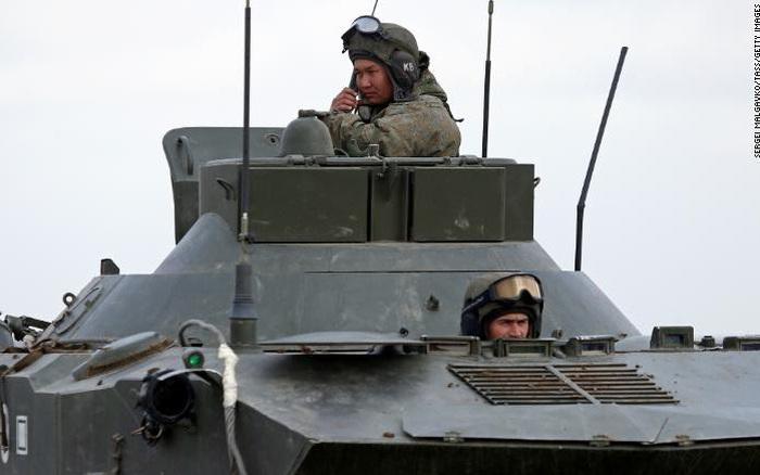 Biên giới Nga-Ukraine đang nóng lên