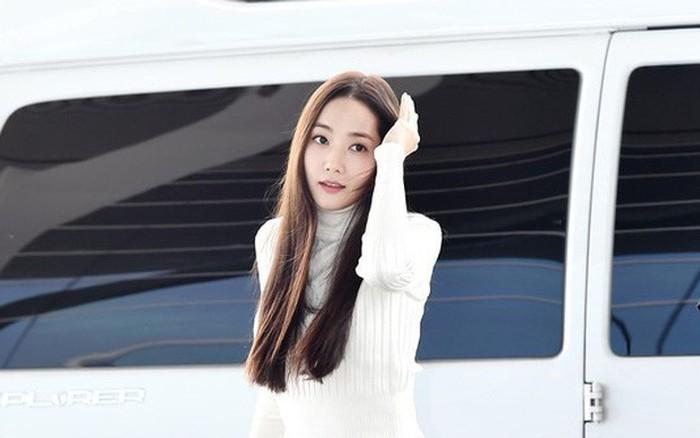 """""""Tình cũ Lee Min Ho"""" Park Min Young gây náo loạn ở sân bay vì nhan sắc không giống như lời đồn"""
