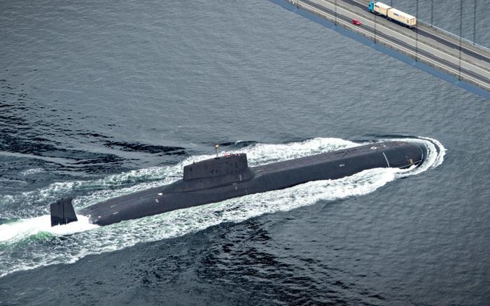 CẬP NHẬT: Tàu ngầm quân sự Nga bất ngờ áp sát bờ biển Israel