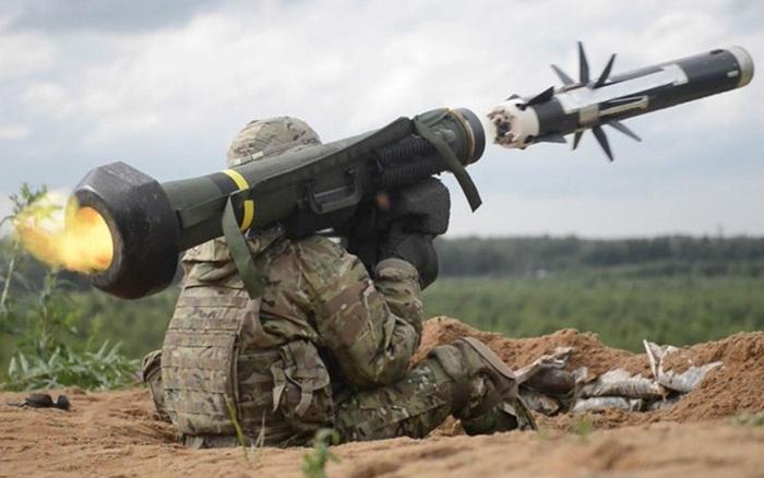 Mỹ công khai cấp vũ khí cho Ukraine chống Nga