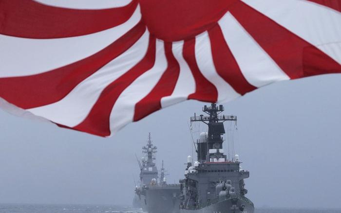 Dưới áp lực từ Trung Quốc, khu trục hạm Nhật Bản sẽ được nâng cấp thành siêu tàu sân bay?