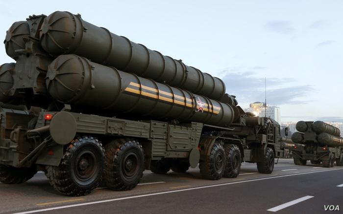"""Câu giờ với NATO """"cứu"""" S-400, """"tuần trăng mật"""" giữa Thổ Nhĩ Kỳ với Nga còn bao lâu?"""