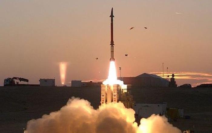 """Tên lửa David's Sling """"quật sấp mặt"""" Su-35 Nga: Kịch bản đã được Israel tính tới?"""