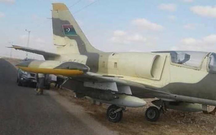 """Phi công LNA bỏ phi vụ không kích Tripoli, Libya: Đào thoát trên máy bay """"quen thuộc""""?"""