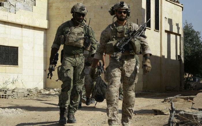 """Chân tướng """"kẻ thủ ác"""" giết chết 2 đặc nhiệm Mỹ-Anh và 2 nữ chiến binh Kurd ở Syria"""