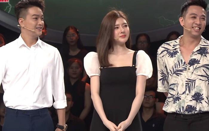 Hai thành viên HKT bị nghi phẫu thuật thẩm mỹ khi xuất hiện trên truyền hình
