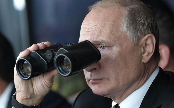 """Bậc thầy """"quảng cáo"""" Putin: Nga suy tính gì khi muốn bán S-400 cho toàn bộ các nước Trung Đông vô điều..."""