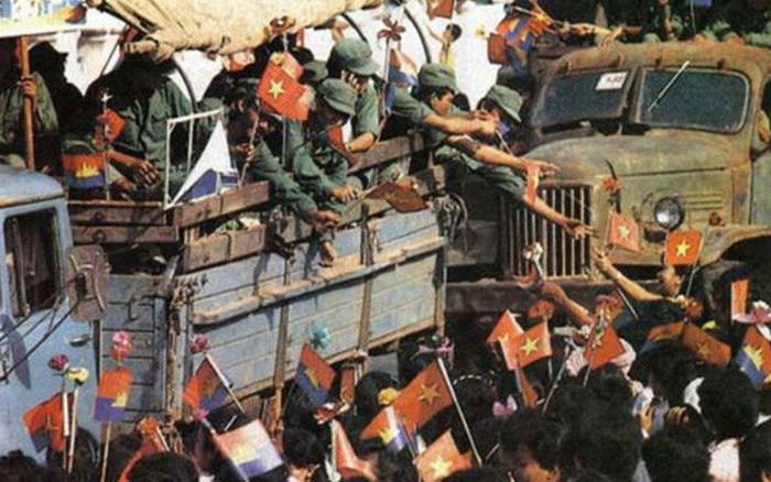 """30 năm ngày trở về của """"đội quân nhà Phật"""" trên đất nước Campuchia"""