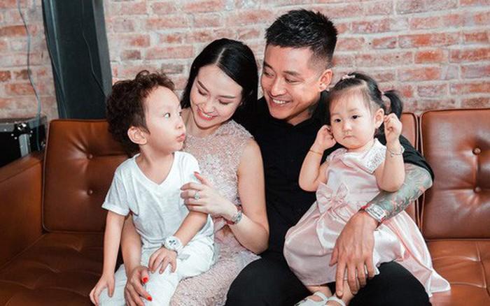 Tuấn Hưng hạnh phúc thông báo bà xã Hương Baby đang mang thai lần 3, gia đình sắp có thêm thành viên mới