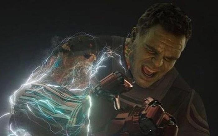 Biên kịch Spider-Man: Far From Home giải thích về cú búng tay của Hulk trong Avengers: Endgame