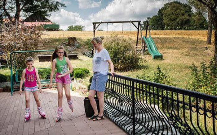 Ngôi làng Ba Lan 10 năm không sinh được con trai: Nghe thì vô lý nhưng toán học lại có lời giải thích...
