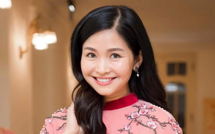 Đặng Châu Anh - bà xã đạo diễn Đỗ Thanh Hải nhận danh hiệu NSƯT