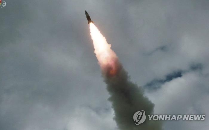 Điểm khác lạ trong thông báo của Hàn Quốc về vụ thử tên lửa Triều Tiên