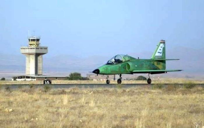 Iran khoe máy bay tự chế có nhiều khả năng 'tốt nhất thế giới'