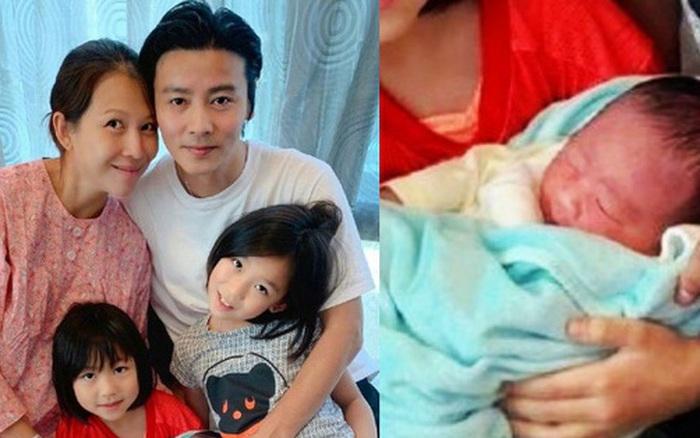 """""""Hoàng hậu"""" Thái Thiếu Phân vỡ oà hạnh phúc khi sinh con thứ 3 ở tuổi 46, gương mặt bé hội tụ nét đẹp cả..."""