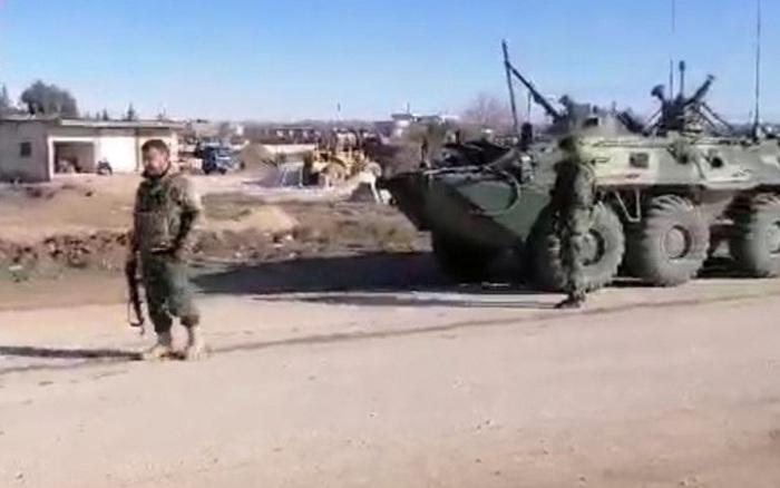 """Nga tìm cách chặn đường, điều động trực thăng tấn công """"nắn gân"""" Mỹ tại Syria?"""