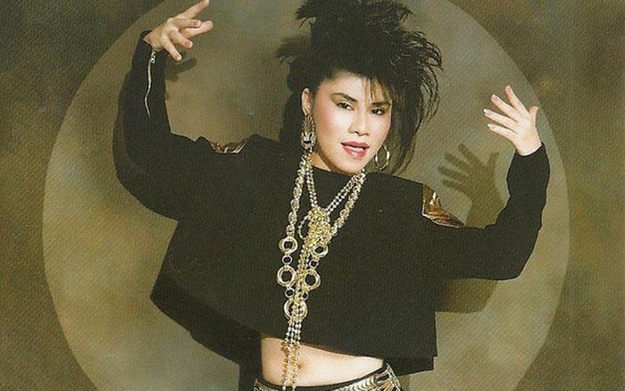 """Danh ca Sơn Tuyền: """"Mỗi lần gặp, chị hai Thanh Tuyền rất khó chịu với đầu tóc của tôi"""""""