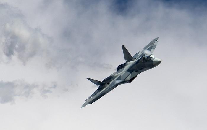 """Ai đã """"cả gan"""" chê """"sát thủ tàng hình"""" Su-57 của Nga?"""