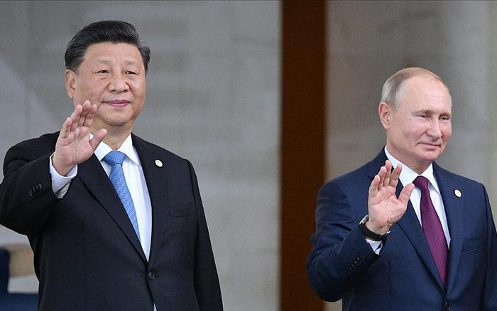 """Phương Tây mong Nga-Trung """"lưỡng bại câu thương"""" vì Covid-19: """"Giấc mộng"""" giữa ban ngày?"""