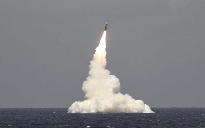 Mỹ thử tên lửa đạn đạo Trident II có thể mang đầu đạn hạt nhân