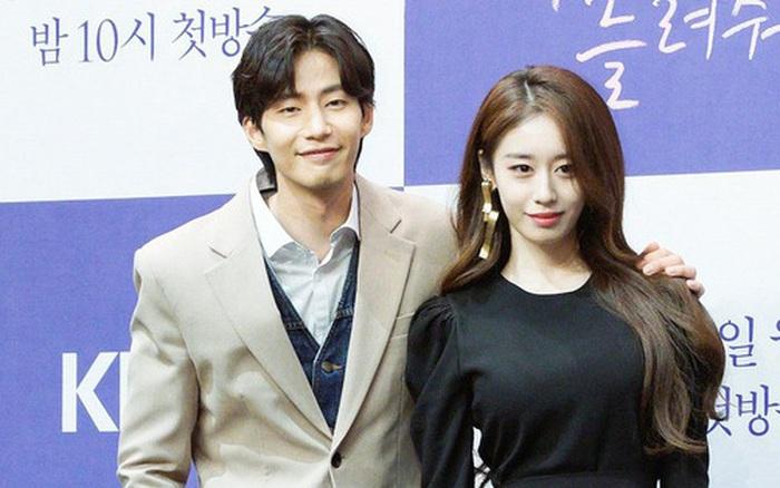HOT: Jiyeon (T-ara) và tài tử 'Mặt trăng ôm mặt trời' bị bắt gặp hẹn hò bí mật, Kbiz thêm cặp phim giả...