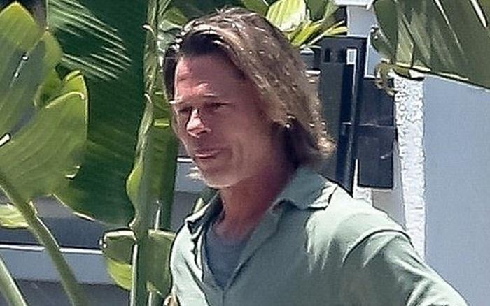 Brad Pitt xuống sắc khó nhận ra sau thời gian dài ở nhà tránh dịch, còn đâu tài tử quyến rũ nhất nhì...