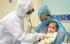 Vì sao mẹ bé 3 tháng tuổi thường xuyên tiếp xúc, chăm sóc con mà không lây bệnh COVID 19?